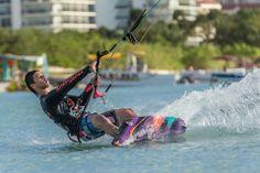 Photo of Aruba Kitesurfing expert Jonathan Acosta taken by Tony Filson of Filcro Media