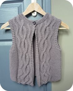 Gilet de Berger pattern by Berangere Cailliau