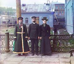 Прокудин-Горский | Три поколения: А. П. Калганов с сыном и внучкой