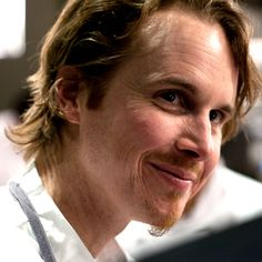 Grant Achatz, Chef and Owner of The Alinea Group in Chicago shares his career timeline and advice for up-and-coming professionals. Next Restaurant Chicago, Chicago Restaurants, Top Restaurants, Wylie Dufresne, Bocuse Dor, The French Laundry, Food Film, Easter Lunch, Vegan Menu