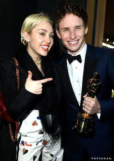 Pin for Later: Die 55 besten Bilder der Oscars 2015 Miley Cyrus und Eddie Redmayne