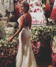 Fotos do casamento Gusttavo Lima e Andressa Suita. Vestido de noiva de Lucas Anderi.