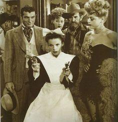Angela Lansbury Stephen McNally Judy Garland in The Harvey Girls Classic Hollywood, Old Hollywood, Harvey Girls, Hollywood Jewelry, Angela Lansbury, Judy Garland, A Star Is Born, Old Movies, Classic Movies
