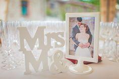 Le mariage rétro aux tons pastel de Charlène et Valentin - Loire-Atlantique | Photographe : Camille Marciano | Donne-moi ta main - Blog mariage