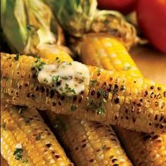 Grilled Corn on the Cob by Farm Flavor? What screams more than this delicious grilling recipe? Did you know that grilling corn releases more of it's antioxidant properties? Throw some farmer's fresh corn on your grill today! Easy Campfire Meals, Campfire Food, Campfire Recipes, Kool Aid, Good Food, Yummy Food, Tasty, Fruits And Veggies, Vegetables