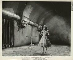 Alice in Wonderland (Paramount Pictures, Still Alicia Wonderland, Alice In Wonderland Aesthetic, Adventures In Wonderland, Lewis Carroll, Old Photos, Vintage Photos, Go Ask Alice, Dear Alice, Old Disney