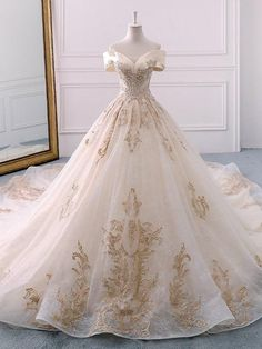 Appliques Ball Gown Cathedral Off-The-Shoulder Church Wedding Dress Appliques Ballkleid Kathedrale Off-The-Shoulder-Kirche Brautkleid Cute Prom Dresses, Dream Wedding Dresses, Pretty Dresses, Gown Wedding, Chapel Wedding, Bridal Gown, Wedding Venues, Indian Wedding Dresses, Elegant Dresses
