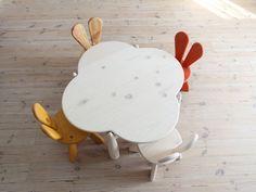 Chaises lapin table nuage Hiromatsu