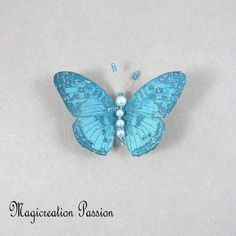 Magnet décoratif papillon soie turquoise +1 aimant , collection gallia - Un grand marché Turquoise, Insects, Montage, Dimensions, Magnets, Animals, Boutique, Collection, Playing Card