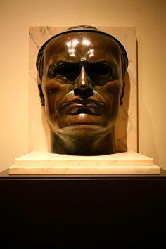 Adolfo Wildt (1868-1931) Benito Mussolini (Dux; il Duce (1923) - Adolfo Wildt - Wikipedia