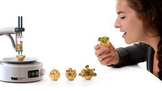 food - Chloé Rutzerveld's food concept is titled 'Edible Growth' and features snacks that grow before they are consumed. Impression 3d, Food Design, Creative Design, 3d Printed Objects, Food Technology, Food Concept, Sustainable Food, 3d Prints, Industrial Revolution