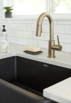 undermount sink with faucet