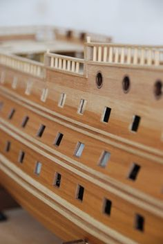 The Construction Of The San Felipe Ballustrading And Side Rails Scale Model Ships, Scale Models, Model Ship Building, Hms Victory, Decorative Mouldings, Tall Ships, Diy And Crafts, Planking, Construction