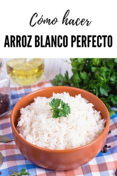 Cómo hacer arroz blanco. Seguro que algunos estaréis pensando... ¿Pero donde va esta?. ¿Ahora quiere enseñarnos como hacer arroz blanco?. Ya se que es fácil. Pero también pensabais que era fácil hacer unos huevos fritos perfectos y tras esa publicación muchos de vosotros me disteis las gracias en las redes sociales por esos consejos. Y es que por muy fáciles que nos parezcan las recetas más básicas.  #arroz #lacocinadelila Veggie Recipes, Mexican Food Recipes, Healthy Recipes, Good Food, Yummy Food, Rice Dishes, Rice Bowls, Incredible Recipes, Food Inspiration