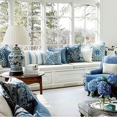 Blue & white ❤ via INDAH ISLAND- Interior Design (@indahisland)