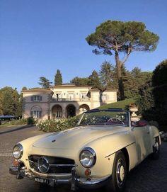 The best luxury cars Dream Cars, My Dream Car, Dream Life, Pretty Cars, Cute Cars, Old Vintage Cars, Antique Cars, Retro Vintage, Classy Cars