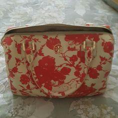 Tori burch orange bag Tori Burch orange bag. Keep very clean Bags Mini Bags