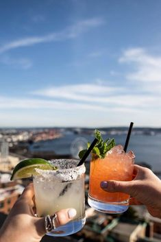 We have rounded up the best six rooftop bars in Seattle for you to check out. Whether you're looking to enjoy a drink with friends or wanting to eat a meal outside in the fresh marine air we have you covered! Seattle Travel Guide, Seattle Restaurants, Best Rooftop Bars, Beach Trip, Beach Travel, Amazing Destinations, Travel Destinations, Getting Drunk, Road Trip Usa