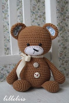 lilleliis - world full of amigurumi and cuteness : Muhe-Mõmm/Smugly-bear Crochet Diy, Crochet Amigurumi, Crochet Bear, Love Crochet, Amigurumi Patterns, Amigurumi Doll, Crochet Animals, Crochet For Kids, Crochet Crafts