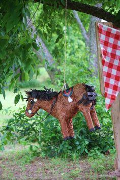 Paard surprise van papier mache