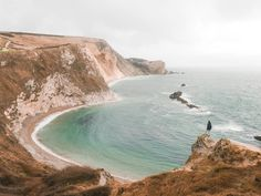 In this ultimate weekend itinerary for Dorset, England, I share my tried and tested list of hilights you can easily cover over the course of a weekend. Weymouth Beach, Lulworth Cove, Dorset Coast, Corfe Castle, Beach Cars, Dorset England, Jurassic Coast, Koh Tao, Padi Diving