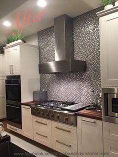Mosaïque cuisine Kitchen Backsplash, Kitchen Cabinets, Kitchen Appliances, Small Space Interior Design, Interior Design Living Room, Kitchen Interior, Kitchen Decor, Small Apartments, Small Spaces