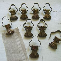 9 x Matching French Vintage Cafe Curtain Clips by OddandOld