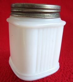 milk glass jars ~ my Dad saved a box of these without the lids ~ I think they are from Ponds Cold Cream. Bottles And Jars, Mason Jars, Mini Bottles, Vintage Bottles, Vintage Glassware, Milk Glass, Glass Jars, Everyday Dishes, Cold Cream