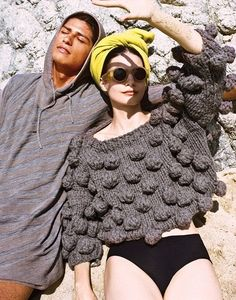 Sculptural Knitwear - knitted dress with oversized sleeves and textures // Filhas de Gaia: 3 тыс изображений найдено в Яндекс. Knitwear Fashion, Knit Fashion, Moda Crochet, Knit Crochet, Inspiration Mode, How To Purl Knit, Knitting Designs, Sweater Weather, Missoni