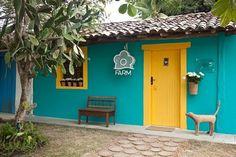 Resultado de imagem para fachadas de casa colorida