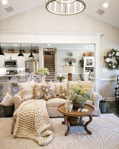 incredible farmhouse living room sofa design ideas and decor 37 French Country Rug, French Country Living Room, Country Farmhouse Decor, Modern Farmhouse, Farmhouse Homes, French Living Rooms, Farmhouse Signs, Modern Country, Farmhouse Style