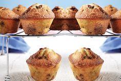 Recipe for muffins (in Greek)_?a Muffins via argiro. Sweets Recipes, Muffin Recipes, Candy Recipes, Breakfast Recipes, Desserts, Muffins, Mini Foods, Recipes From Heaven, Cupcake Cookies