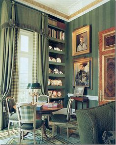 26 Colorful Home Library To Not Miss - Geek Interior Design Traditional Interior, Classic Interior, Home Interior, Interior Decorating, Interior Design, Decorating Ideas, Green Library, Home Library Rooms, Nooks