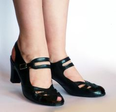 Anita – Re-Mix Vintage Shoes - Size 7.5 in green!
