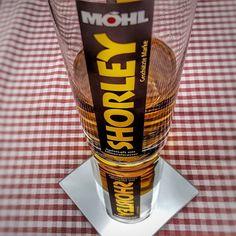 Es gibt viel Durst. . .  #apfelsaft #shorley #möhl #moscht #apfel #alkoholfrei #gesund #obstsaft #softdrink Pint Glass, Tableware, Apple Juice, Alcohol Free, Fruit, Healthy, Life, Dinnerware, Beer Glassware