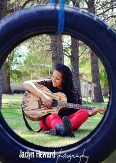 Senior picture ideas. Guitar. Jaclyn Heward photography