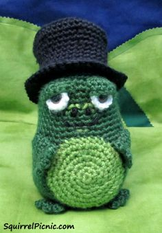 Mayor Snack Frog Pattern by Squirrel Picnic