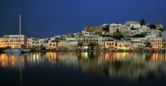 naxos harbor at the night Great Places, Places Ive Been, Places To Go, Naxos Greece, Ancient Greece, Greece Travel, The Good Place, New York Skyline, Beautiful Pictures