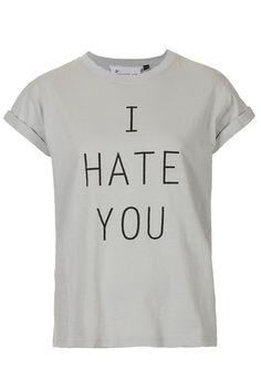 Ce printemps, on veut toutes un t-shirt à message!    http://www.femina.ch/galeries/mode/notre-selection-100-t-shirts-a-messages