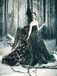 Giovanna Battaglia - Natalia Vodianova The White Fairy Tale Valentino by Paolo Roversi