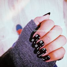 Omg i want this nails Acrylic Nail Shapes, Acrylic Nails, Beauty Nails, Hair Beauty, Tik Tok, Nail Designs, Mac, My Love, Celebrities