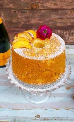 Fluffosa alle pesche e champagne Food Cakes, Bakery Cakes, Marble Cake, Sweet Recipes, Cake Recipes, Dessert Recipes, Almond Paste Cookies, Types Of Sponge Cake, Bolo Chiffon