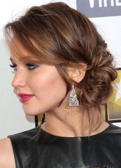 Jennifer Lawrence messy side chignon  More Hairstyles : http://hairstylesman-and-women.blogspot.com/