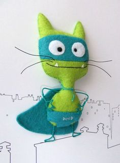 Cats Toys Ideas - - Ideal toys for small cats Felt Fabric, Fabric Dolls, Cat Crafts, Sewing Crafts, Felt Puppets, Ideal Toys, Felt Cat, Small Cat, Felt Patterns