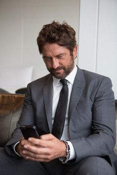 Gerard Butler - The New Face for Hugo Boss | Weirdly Obsessive Gerard Butler Message Board