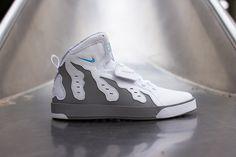 Nike Auto DT 96 Super Bowl (Releasing)