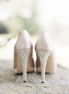 <div>You will be doing the happy dance in these gorgeous blush bejeweled heels.</div>
