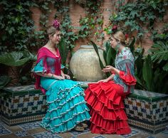 Puerto Rican Culture, Pose, Puerto Ricans, Gypsy, Beautiful People, Ethnic, Sari, Gowns, Dance