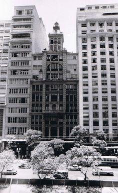 PREDIO DO JORNAL DO BRASIL NA AV RIO BRANCO RIO RJ - Pesquisa Google O prédio do JB era o mais alto da América Latina na época de sua inauguração e o jornal funcionou nesse endereço até 1974.