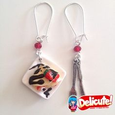 Delicious strawberry and chocolate crepes, perfect to wear with every outfit. These earrings - entirely handmade - have the power to fulfill the sins of gluttony without making you feel guilty!  Find it on www.Delicute.com